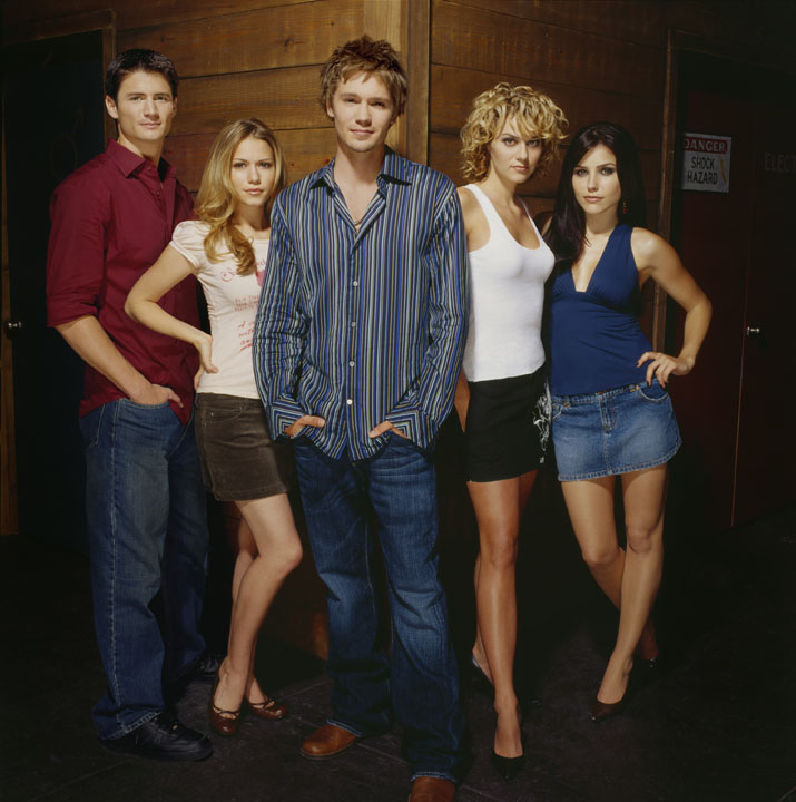 "The image ""http://www.vidiot.com/OneTreeHill/images/OneTreeHill-Cast-06.jpg"" cannot be displayed, because it contains errors."